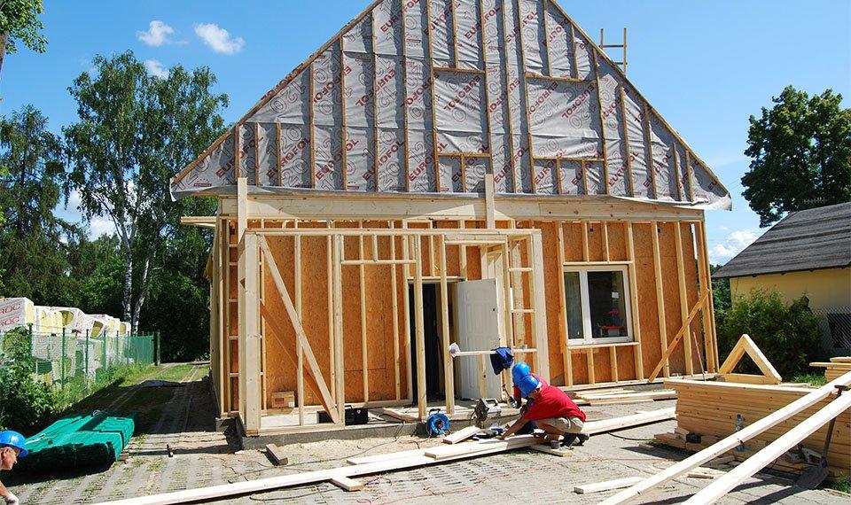 Realizacja projektu - rozbudowa widok od strony ogrodu (zdjęcia) wykonawca EFIN www.domyefin.pl
